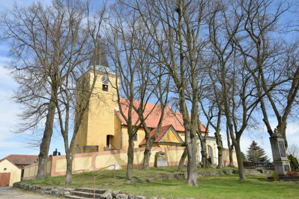 Fotografie k Kostel sv. Filipa a Jakuba